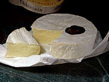 220px-Camembert_cheese